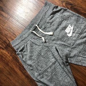 Nike Cropped Sweat Pants